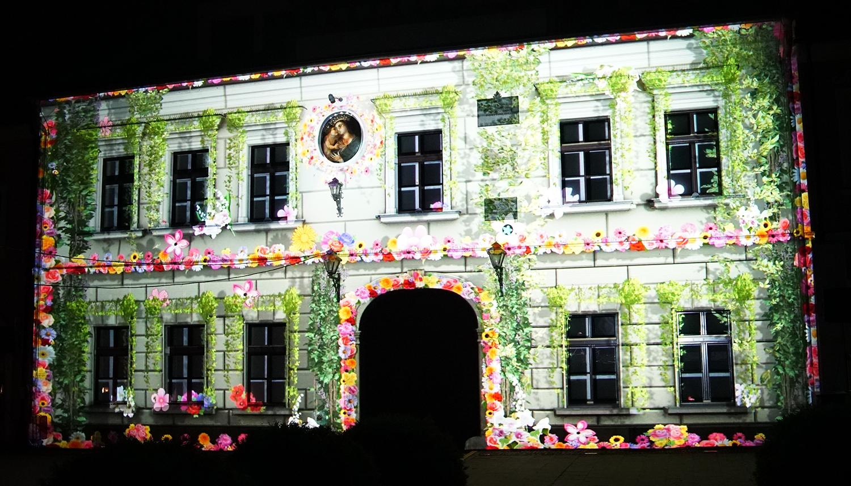 Pokazy video mappingu na budynkach
